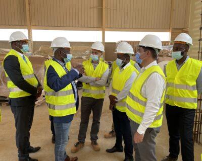Administrador de Viana visita fábricas em fase de conclusão no PDIV
