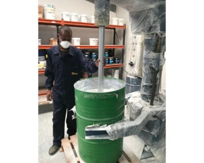 Timicor produz tintas para o ramo da construção civil, automóvel e náutica